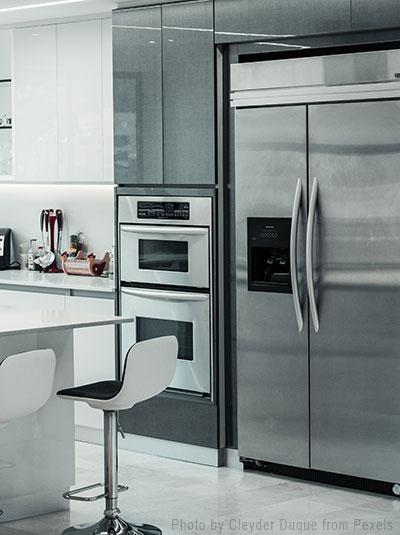 Refrigerator-Freezer Appliance